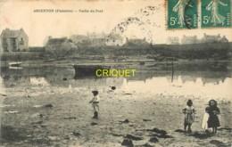 29 Argenton, Partie Du Port, 4 Enfants Au 1er Plan, Bateau échoué..., Carte Pas Courante Affranchie 1908 - France