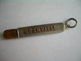 Ancien PORTE CRAYON De CHATELAINE 1900, En Métal Argenté..GRANVILLE...2 Scans - Autres
