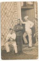 Carte-photo De Trois Hommes(militaires?) Dont Un Cuisinier - Photo Guilleminot...? - Photos