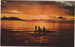 TAHITI - Coucher Soleil Papeete - PECHE, LAGON - CPM TBon Etat (voir Scan) - French Polynesia