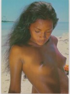 TAHITI - Sunbathing Tahitian Beauty - CHARME, NU - CPM TBon Etat (voir Scan) - French Polynesia