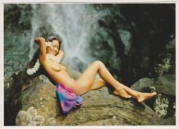 NU  A LA CASCADE - CHARME, NU - CPM TBon Etat (voir Scan) - French Polynesia