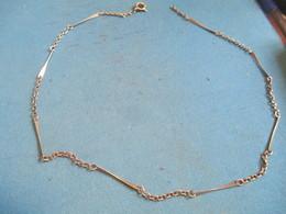 Bijou Fantaisie Ancien /Bracelet Métal  ( Argenté ? ) / Mailles Alternance Chainon-fléchette/Vers 1930 - 1950     BIJ102 - Jewels & Clocks