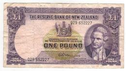 New Zealand 1 Pound ,  Dirt VF. - Nueva Zelandía