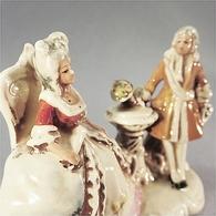 * STATUE MARQUIS & MARQUISE AVEC SIGNATURE - Statue Sculpture Porcelaine - Sculptures