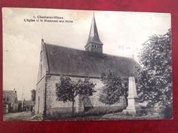 Chartainvilliers L'église Et Le Monument Aux Morts - Frankrijk