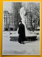 8546 - Madame Vous Qui Passez.... (Lausanne) Photo De Catherien Studer 1992 - Illustrateurs & Photographes