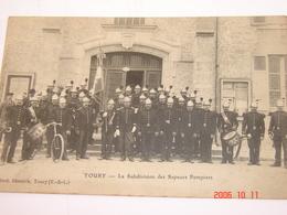 C.P.A.- Toury (28) - La Subdivision Des Sapeurs Pompiers - 1913 - SUP (BH9) - Autres Communes