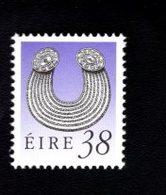 758888372 1990 1995 SCOTT 784 POSTFRIS  MINT NEVER HINGED EINWANDFREI  (XX)  ART TREASURES OF IRELAND - 1949-... République D'Irlande