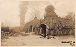 KENYA - Native Huts - REAL PHOTO - Publ. Wardle. - Kenya