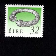 758890247 1990 1995 SCOTT 781 POSTFRIS  MINT NEVER HINGED EINWANDFREI  (XX)  ART TREASURES OF IRELAND - 1949-... République D'Irlande