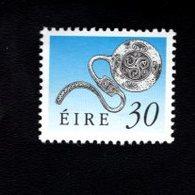 758890697 1990 1995 SCOTT 780 POSTFRIS  MINT NEVER HINGED EINWANDFREI  (XX)  ART TREASURES OF IRELAND - 1949-... République D'Irlande
