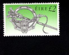 758891522 1990 1995 SCOTT 792 POSTFRIS  MINT NEVER HINGED EINWANDFREI  (XX)  ART TREASURES OF IRELAND - Neufs