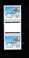 758892956 1990 1995 SCOTT 780 POSTFRIS  MINT NEVER HINGED EINWANDFREI  (XX)  ART TREASURES PAIR WITH LABEL BETWEEN - 1949-... République D'Irlande