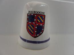 DE A COUDRE EN FAIENCE - ARMOIRIES BLASON - BOURGOGNE - Autres Collections