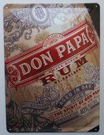 - Plaque Publicitaire En Tôle. RHUM - DON PAPA - - Plaques Publicitaires