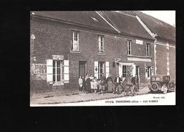 C.P.A. D UN CAFE A FRANCIERES 60 - France