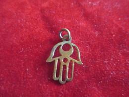 Bijou Fantaisie Ancien/Médaille De Chainette /  Fatma / Mahgreb ? / Laiton /Vers 1920-50         BIJ113 - Bijoux & Horlogerie