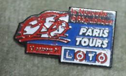 Rare  Pin's Cyclisme Paris Tours - Ciclismo