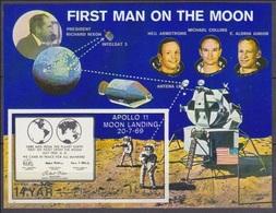 1969Yemen YAR995/B110bPlaque /Apollo 11 Moon Landing20,00 € - Asia