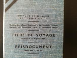 TITRE DE VOYAGE DE BELGIQUE POUR RÉFUGIÉ POLITIQUE TIMBRES FISCAUX BELGIQUE TIMBRE FISCAL - Documents Historiques