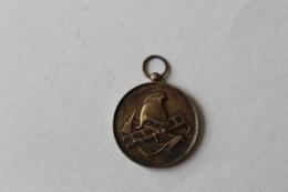 Medaille Pompier  Manoeuvres De Pompes Beauvais OISE - Firemen