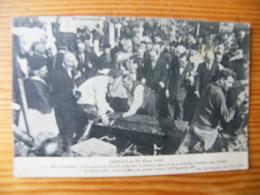 CPA Lisieux Le 26 Mars 1923 Exhumation De Soeur Thérèse De L'enfant Jésus Non Voyagée - Lisieux