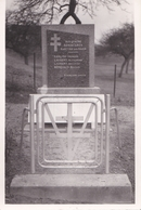 Carte Photo : Neaufles Saint Martin (27) Monument De La Résistance   Darling, Laurent, Sénécaux   Martyrs Des Nazis - Guerre, Militaire