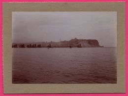 Photo Albuminée - Scarborough - Vue Sur Les Falaises - Nombreux Voiliers - 1890 - Antiche (ante 1900)