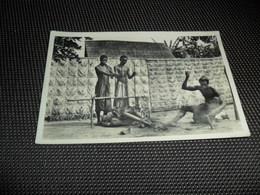 """Congo Belge ( 84 )  Belgisch Kongo  :  L' Afrique Qui Disparait  - Photographe C. Zagourski - N° 16 """" Bakuba """" Forgerons - Congo Belga - Altri"""
