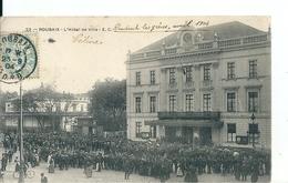 Roubaix ( Nord) Foule Devant L'Hôtel De Ville Lors De La Grève De 1904 - Roubaix