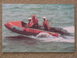 BRIDLINGTON D-CLASS INSHORE LIFEBOAT LORD FEOFFEES - Ships