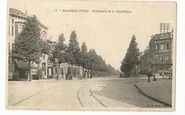 CPA,D.59, N°70, Roubaix , Boulevard De La République ,animée, Ed. B.F. - Roubaix