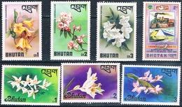 Bhutan 1976  -  Yvert  439 + 475 / 477 + 508 / 510   ( ** ) - Bhután