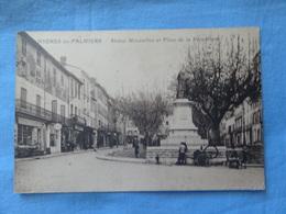 CPA HYERES Statue Moussillon Et Place De La République - Hyeres