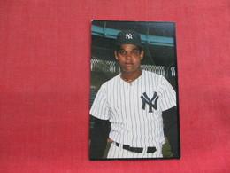 Baseball NY Yankees  Vic Mata    Ref 3315 - Baseball