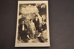 Carte Postale 1910  Photo Groupe Femmes Contre Une Falaise - Scherenschnitt - Silhouette