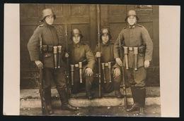 FOTOKAART MET DUITSCHE MILITAIREN - Militari