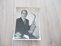 Musique Photo Pub Selmer Saxo Saxophoniste Trous Punaises    17.5 X 23.4 - Photos