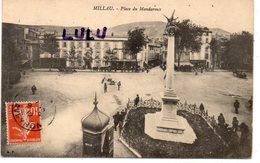 DEPT 12 : édit. A P : Millau Place Du Mandaroux ( Café De Millau ) - Millau