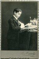 NIÑO EN LA PRIMERA COMUNIÓN, ENFANT DANS LA PREMIÈRE COMMUNION. FOTO ANTIGUA, OLD PHOTO, CIRCA 1880 - LILHU - Fotos