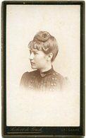 RETRATO DE MUJER JOVEN, PORTRAIT OF YOUNG WOMAN, PORTRAIT DE JEUNE FEMME. FOTO ANTIGUA, OLD PHOTO, CIRCA 1880 - LILHU - Fotos