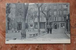 MANOSQUE (04) - PLACE DE L'HOTEL DE VILLE - Manosque