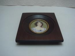 Portrait Miniature Peint Sur Ivoire - 19 ème Siècle Signé 11,5 Cm X 13,5 Cm - Other Collections