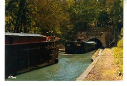 CPM  : Vendhuile  Aisne.  Entrée Du Canal Souterrain. (Longueur 5 Km 700). - Hausboote