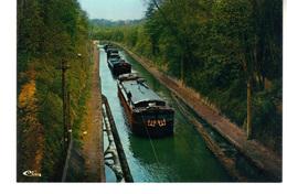 CPM  : Vendhuile  Aisne.  Le Canal De Saint-Quentin - Hausboote