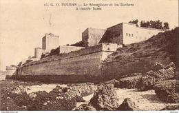 D17  FOURAS  Le Sémaphore Et Les Rochers à Marée Basse  ..... - Fouras-les-Bains