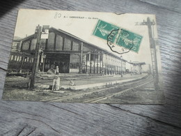 CPA ANIMEE - LA GARE DE LONGUEAU - Gares - Sans Trains
