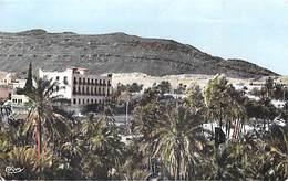 """Algérie ( M'Sila) BOU-SAADA  """"Cité Du Bonheur """" La Palmeraie Et L'Hôtel Transatlantique  (Combier Cim N°35) *PRIX FIXE - M'Sila"""