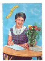 Femme Assise Qui Ecrit - 6776 - Femmes